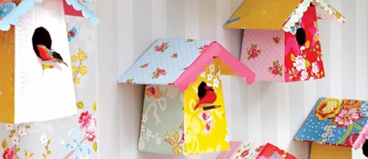 cabane oiseau en papier décoré