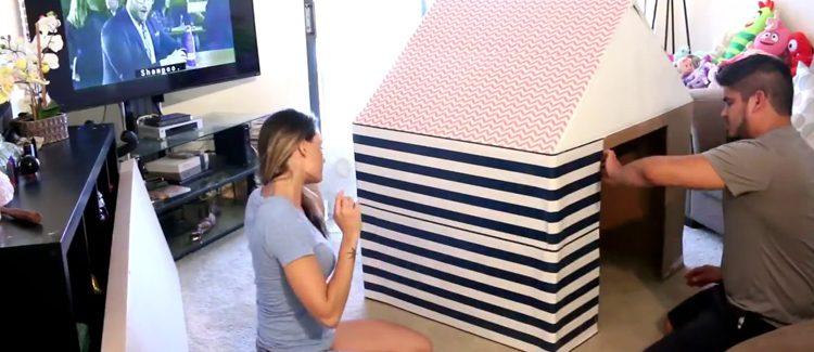 Une cabane pour enfants en carton