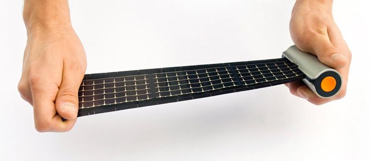 Chargeur solaire de poche en rouleau